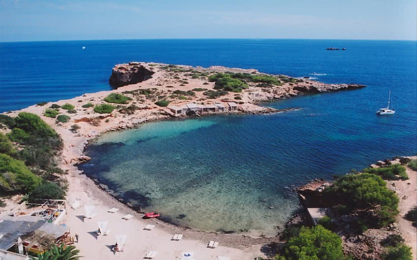 playa estanyol ibiza